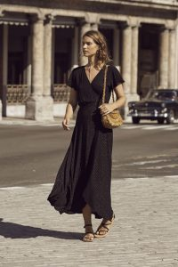 AUG-HN1-17145-BLK_ISABELLA_MUSE_MAXI_DRESS_BLACK_LUREX_FRONT_2-min
