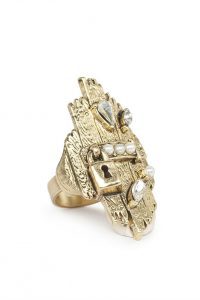 Treasure ring by Kitte